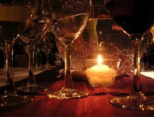 Романтический ужин при свечах дома