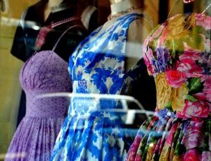 Платья в стиле ретро – основные детали