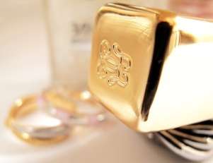 Косметика с золотом, серебром и жемчугом