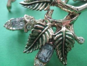 Винтажная бижутерия – очарование старинных украшений