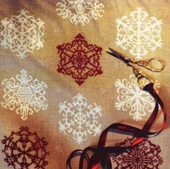 вышивка снежинка крестом